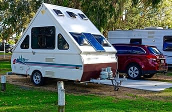 caravan triangle shape_640