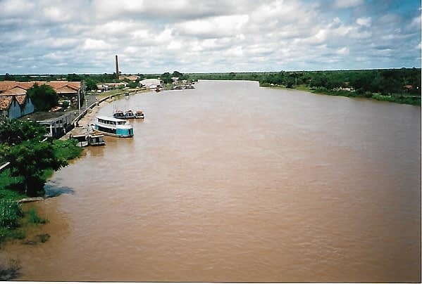 4 day shortcut in brazil involves a boat ride on a brown coloured river